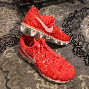 Nike Blood Orange Neutral Soft Ride Running Shoes